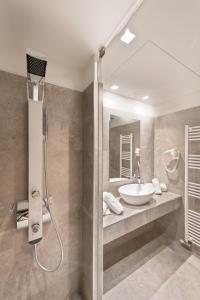 Ένα μπάνιο στο Castello Hotel