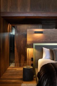 A bed or beds in a room at The Lindis