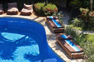 A view of the pool at Otro Lado Lodge or nearby