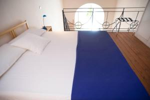 A bed or beds in a room at Home47