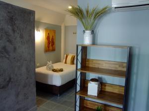 A bathroom at Samui Green Hotel