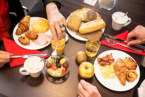 Breakfast options available to guests at ibis Leiden Centre