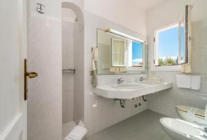 A bathroom at Hotel 3 Botti