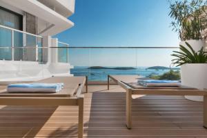 The swimming pool at or close to Amfora Hvar Grand Beach Resort