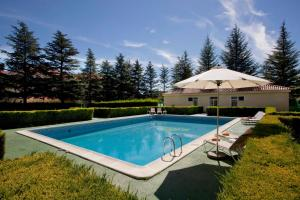 The swimming pool at or near Parador de Teruel