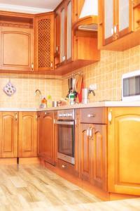 A kitchen or kitchenette at Великолепная квартира в Одинцово