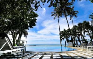Der Swimmingpool an oder in der Nähe von White House Bailan Resort