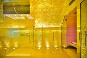 A bathroom at Boutiquehotel Das Tyrol