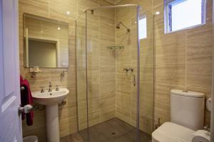 Ванная комната в Amaroo Motel
