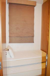 A bathroom at Hayali Suites