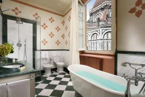Un baño de Palazzo Niccolini al Duomo