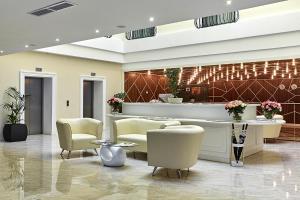 El vestíbulo o zona de recepción de Brosko Hotel Arbat