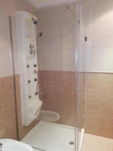 A bathroom at Hotel Gardu