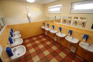 Et badeværelse på Heide Park Holiday Camp