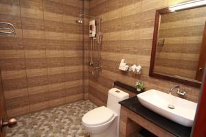A bathroom at Cabana Lipe Beach Resort