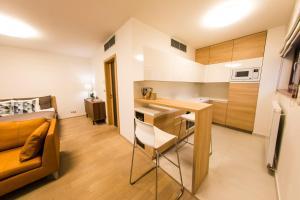 """Een keuken of kitchenette bij Residence """"Park Nikolajka"""" 3"""