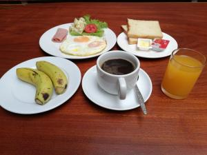 Breakfast options available to guests at Thanaboun Guesthouse
