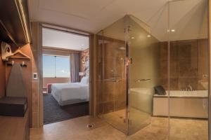 A bathroom at Doubletree By Hilton Iquitos