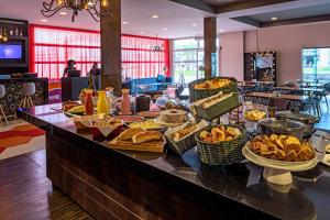 A restaurant or other place to eat at ibis Styles Ribeirao Preto Braz Olaia