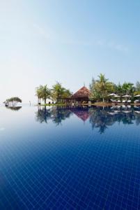 The swimming pool at or close to Tanjong Jara Resort