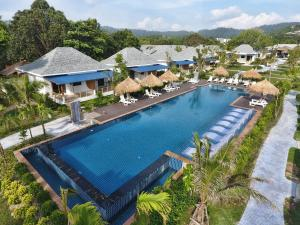 A view of the pool at Lanta Casa Blanca - SHA Plus or nearby
