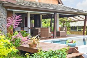 A piscina localizada em Omati Lodge ou nos arredores