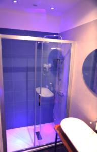 A bathroom at B&B Bailardo