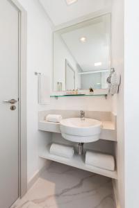 A bathroom at Nobile Hotel Copacabana Design