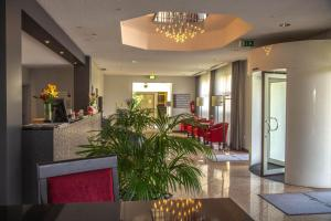 The lobby or reception area at Hotel Alarun