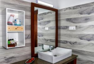 A bathroom at Hotel Bella Vista