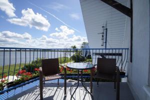 Balkon lub taras w obiekcie Niebieska Tawerna