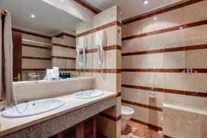 Un baño de Hotel Miguel Angel