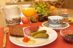 Frühstücksoptionen für Gäste der Unterkunft Landhaushotel Hof Wasserkuppe