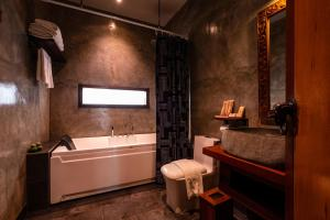 A bathroom at Ipoh Bali Hotel