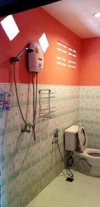 Ein Badezimmer in der Unterkunft Sangtawan Resort