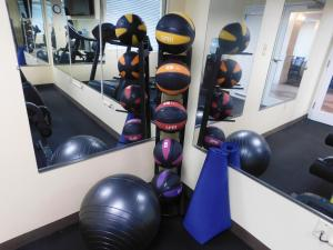The fitness center and/or fitness facilities at Days Inn & Suites by Wyndham Pocahontas