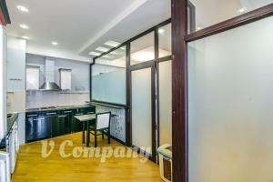 A cozinha ou cozinha compacta de Winter Garden Apartment