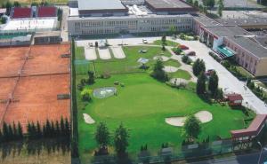 Výhled na bazén z ubytování Ubytovna TJ Ostrava nebo okolí