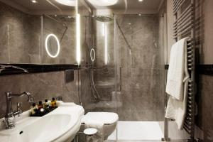 A bathroom at The Frame Hotel