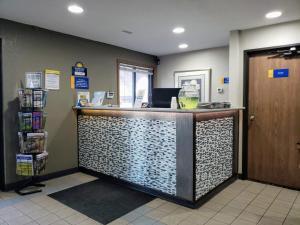 The lobby or reception area at Days Inn by Wyndham Willmar