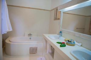 Um banheiro em Medina Palms