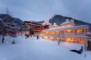 Wellnessresidenz Alpenrose during the winter