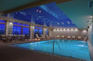 Бассейн в Manthos Hotel Resort & Spa или поблизости