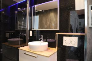 Ein Badezimmer in der Unterkunft Heeren van Noortwyck