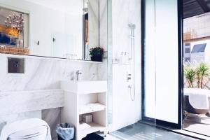 Ein Badezimmer in der Unterkunft Hotel NuVe Heritage (SG Clean, Staycation Approved)