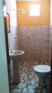 A bathroom at CHALE JABARANA