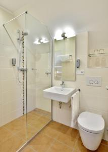 A bathroom at das seidl - Hotel & Tagung - München West