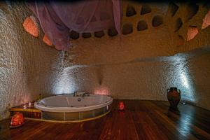 Spa and/or other wellness facilities at Anatolian Houses Cave Hotel