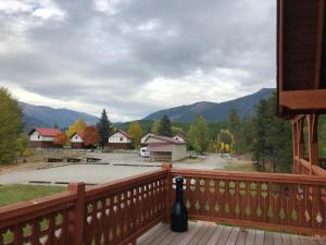 A balcony or terrace at Great Northern Resort (Lodge)
