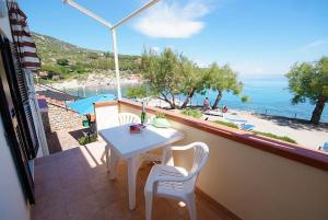 A balcony or terrace at Hotel La Stella
